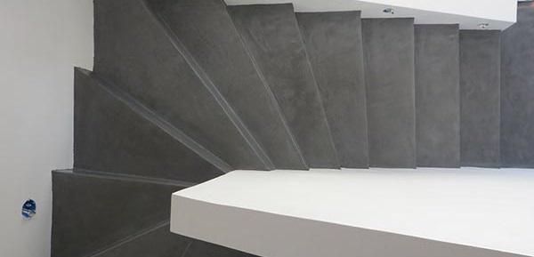 σκάλες με πατητή τσιμεντοκονία
